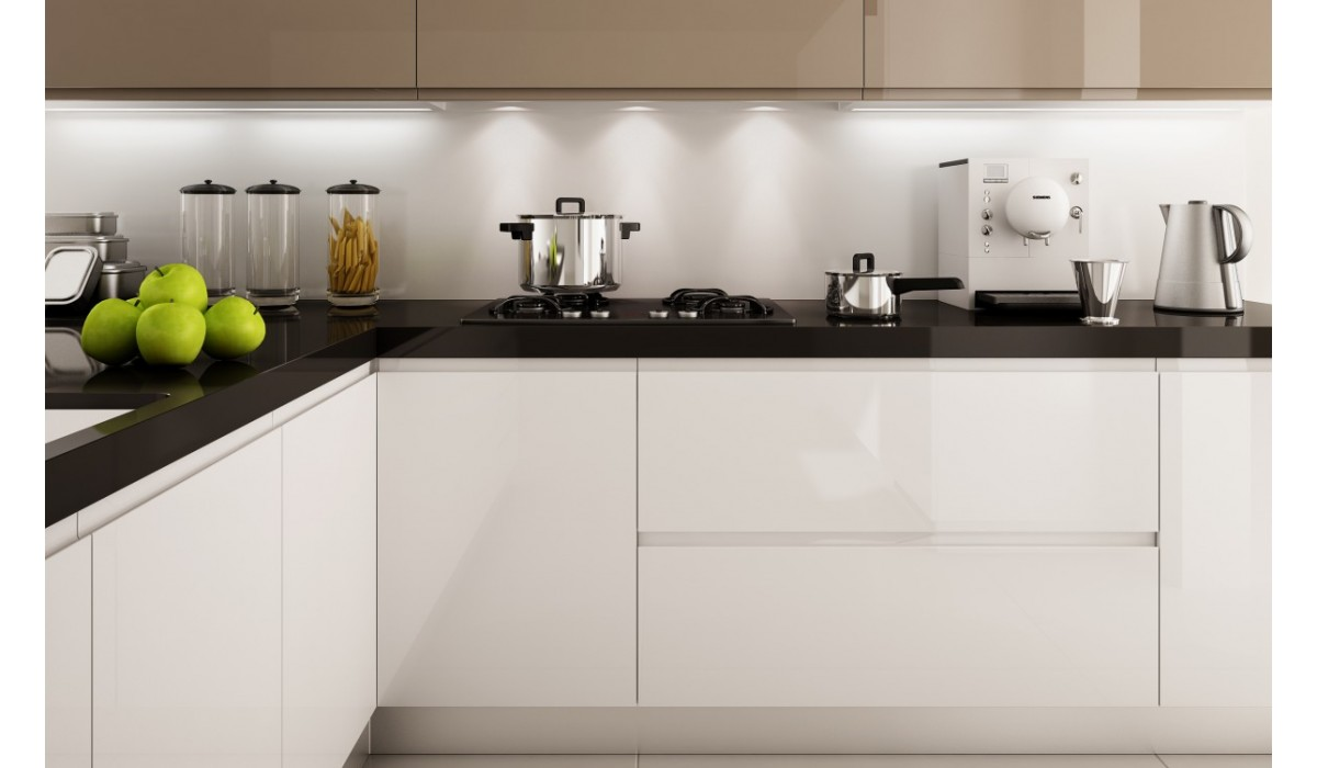 Matt or Gloss Lacquer with Integrated Handle